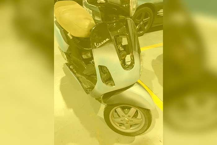 Profesional trabajo de restauracion de moto vespa en valencia en ARG Restauracion