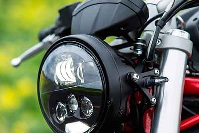 restauracion reparacion pulido de faros de motocicleta en valencia · ARG Restauracion 3